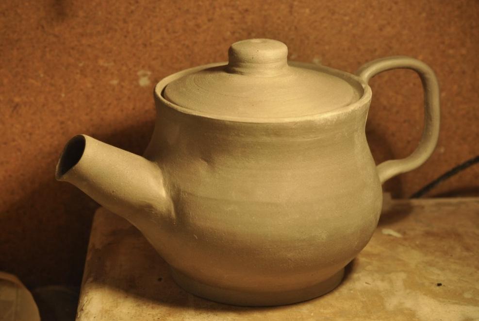 Jak ulepić z gliny czajnik?